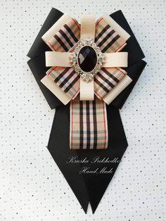 Resultado de imagen para bow brooch beige