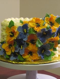 {A dramatic Pansy cake by ShuggaNay}