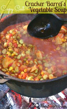 Barrel Copy Cat Vegetable Soup - Makes quarts A copy cat version of Cracker Barrel s Vegetable Soup! Fall comfort food at it s finest. A copy cat version of Cracker Barrel s Vegetable Soup! Fall comfort food at it s finest. Copycat Recipes, Crockpot Recipes, Cooking Recipes, Oven Recipes, Easy Cooking, Easy Recipes, Cracker Barrel Recipes, Cracker Barrel Vegetable Soup Recipe, Vegetable Soup Recipes