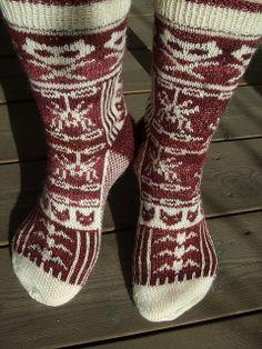 Ingrids skumle sokker by erica.gronn, via Flickr