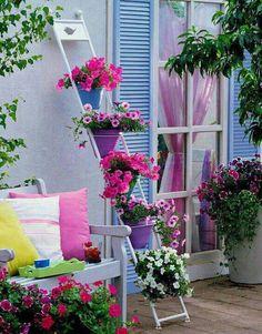 En farverig blomstertrappe :-)
