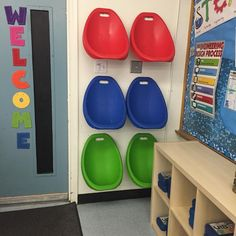 Flexible seating storage using 3M hooks @theredschooldesk