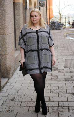 Plus Size Fashion #plussize http://emmisnicker.blogspot.se/2015/02/lets-go-dancing.html