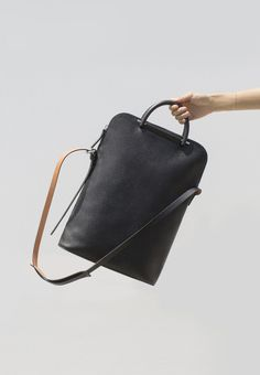 Building Block Pebbled Leather Lite Business Bag
