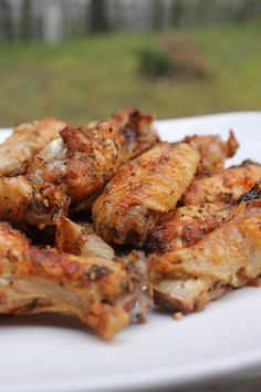 Baked Garlic & Onion Chicken Wings - super easy to make, and the perfect appetizer, or main dish! Onion Chicken, Baked Chicken Wings, Chicken Wing Recipes, Chicken Breasts, Fried Chicken, Chicken Wing Seasoning, Mexican Chicken, Garlic Chicken, Bbq Chicken