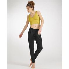 The Temps Danse®jogging pants are designed to offer you a great comfort during your activities. The very current cut, neither too large nor too tight,