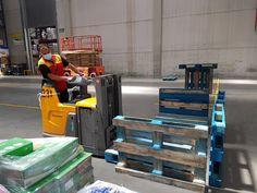Ejercicio de recogida de cargas con apilador 🚧🎁🚜🚧 Curso de Actualización Formativa de #carretillaselevadoras y #PEMP realizado para DHL en sus instalaciones de Ontígola #Toledo 👨🏭🧑🔧🧑💻 View Image, Exercises
