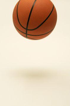 Rekenen met de bal. Zeg een som. Gooi de bal naar een leerling. Deze geeft antwoord en gooit de bal terug. Dit gaat in hoog tempo.