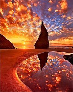 sunrise ~ Wizard's Hat ~ Bandon, OR .. on the Oregon coast.