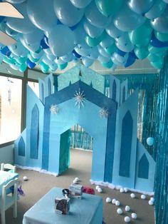 Elsa Birthday Party, Princess Theme Birthday, Frozen Themed Birthday Party, Frozen Birthday Party, 4th Birthday Parties, 2nd Birthday, Frozen Party Decorations, Birthday Party Decorations, History Medieval