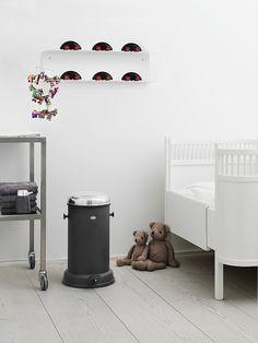Sebra | Kidsroom | Jollyroom - Bed: http://www.jollyroom.se/produkter/sebra-paket-vaxasang-kili-vit-inkl-madrass | #jollyroom