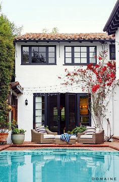 Before and After: Actress Sasha Alexander's European-Inspired L. Home - Mericet - Before and After: Actress Sasha Alexander's European-Inspired L. Home Before and After: Actress Sasha Alexander's European-Inspired L. Home via Domaine Home - Exterior Paint Colors For House, Paint Colors For Home, Exterior Colors, Exterior Design, Paint Colours, Black Exterior, Stucco Colors, Spanish Style Homes, Spanish House
