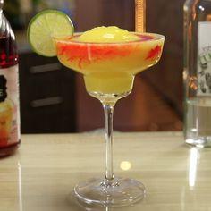 Try These Tasty New Margarita Recipes From Tipsy Bartender Vodka Mixed Drinks, Vodka Cocktails, Cocktail Drinks, Fun Drinks, Cocktail Recipes, Alcoholic Drinks, Beverages, Mango Margarita, Margarita Recipes