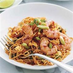 Prawn Noodle Stir-fry Recipe on Yummly Prawn Noodle Recipes, Wok Recipes, Stir Fry Recipes, Healthy Recipes For Weight Loss, Healthy Foods To Eat, Healthy Eating, Rice Dishes, Pasta Dishes, Main Dishes