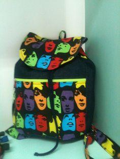 Mini mochila de mezclilla con lona https://www.facebook.com/pages/Rauda-Dise%C3%B1o/352242584900974