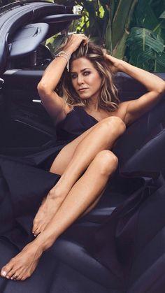 Jennifer Aniston - Beautiful Women In Hollywood Jennifer Aniston Legs, Jennifer Aniston Pictures, Mathew Daddario, Jeniffer Aniston, Celebrity Look, Sexy Feet, Gorgeous Women, Gorgeous Feet, Cute Girls
