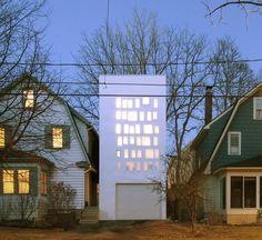 Architects: PARA Location: Syracuse, NY, USA Project Team: Jon Lott, Hilary Pinnington, Paul Kneeply Year: 2014 Photographs: Nathan Rader, Courtesy of PARA #architecture #house #contemporary