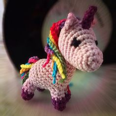 Free - Unicorn amigurumi crochet pattern // by Fauschein Horn Crochet Pony, Poney Crochet, Crochet Horse, Crochet Baby Beanie, Baby Afghan Crochet, Crochet Unicorn, Crochet Amigurumi, Crochet Bear, Crochet Gifts