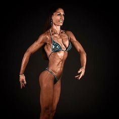 Look at this stunning lady! Anke Rudolph doing her first figure division competition this year. Great decision, my love! I already loved you in bikini division but this is where you belong to! #bikini #bikinisuit #figuresuit #figuredivision #figurklasse #figureathlete #figurecompetitor #ifbb #dbfv #exclusiveposingwear #individualdesign #highquality #madewithlove #madeingermany #evitalana #evitalanasportsfashion
