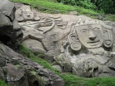 Unakoti, located 178 km from Agartala, Tripura consist of hundreds of massive rock-cut sculptures of Hindu Gods and scattered ruins of ancient temples. Tourist Places, Places To Travel, Places To Visit, Archaeological Survey Of India, Creepy, Rock Sculpture, Sculptures, Horror, India Tour