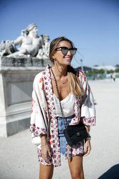 paris-fashion-week-tuileries-kimono-chanel-bag-bolso-denim-bardot-miu-miu-bailarinas-ballerines-look-bartabac-outfit-moda-blogger-11
