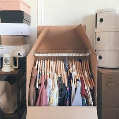 my top tips for moving (whether it's down the street or across the country) www.jojotastic.com