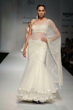 Grand Start Of Lakme Fashion Week 2016 By Manish Malhotra