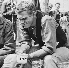 Hollywood Stars, Classic Hollywood, Steeve Mcqueen, Steve Mc, The Great Escape, Star Fashion, Men's Fashion, Famous Celebrities, My Forever