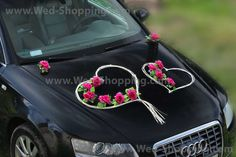 Rattan hearts and dark pink roses with leaves Two big hearts on the front embellished with beads 4 hearts on the door windows Two hearts on the rear window with beads 24 seperate roses. Decoration is safe for car paint - mounted on suction cups Wedding Car Decorations, Flower Decorations, New Luxury Cars, Cars Birthday Parties, Cute Cars, Car Painting, Bali, Pink Roses, Wedding Bouquets