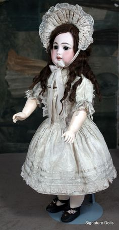 """23"""" Simon Halbig 939 German bisque doll with a French look"""