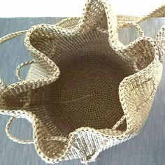 エコアンダリアで編んだショルダーバッグ(gold) その他バッグ meg 通販|Creema(クリーマ) ハンドメイド・手作り・クラフト作品の販売サイト Crochet Handbags, Crochet Purses, Crochet Art, Cute Crochet, Image List, Knitted Bags, Sisal, Crochet Bikini, Diy Crafts