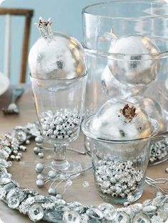 silver beads centerpiece for new years eve christmas table centerpieces christmas tablescapes holiday tables - Silver Christmas Table Decorations