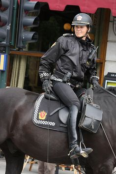 The most important role of equestrian clothing is for security Although horses can be trained they can be unforeseeable when provoked. Riders are susceptible while riding and handling horses, espec… Equestrian Boots, Equestrian Outfits, Equestrian Style, Equestrian Fashion, Idf Women, Military Women, Police Uniforms, Girls Uniforms, Riding Habit
