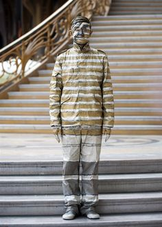 The invisible man: Chinese artist painted (There's a whole set of this amazing man's art. Extremely cool.)