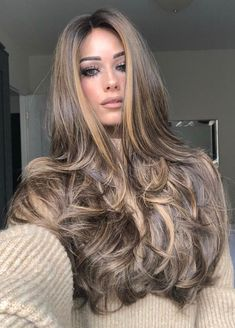 So you fancy long hair? Want to know how to grow long hair the right way? Looking for how to grow long hair the right way? These are the effective way you will know how to grow long hair the right way! Blonde Hair With Highlights, Brown Blonde Hair, Dark Hair, Platinum Highlights, Carmel Highlights, Balayage Highlights, Grow Long Hair, Long Wavy Hair, Long Voluminous Hair