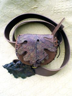 sky raven wolf - painted oak leaf belt purse with oak buckle belt