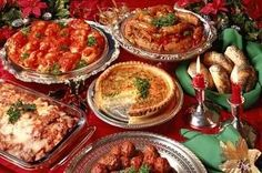 Italian Christmas Dinner Menu Ideas Bruschetta and salad Lasagna and pasta Meatballs with Salmon with asparagus Italian Christmas Dinner, Italian Thanksgiving, Holiday Dinner, Italian Dinner Menu, Thanksgiving Ideas, Holiday Parties, Christmas Dishes, Christmas Buffet Menu, Christmas Menu Ideas