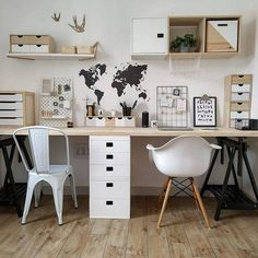 Estudios vistos en Instagram en los que te apetece trabajar Study Room Decor, Office Wall Decor, Bedroom Decor, Cute Desk Decor, Home Office Space, Home Office Design, Office Desk, Desk Inspiration, Teen Bedroom Designs