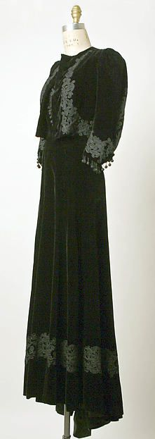 Designer: Attributed to Elsa Schiaparelli (Italian, 1890–1973) Department Store: Made by Bonwit Teller & Co. (American, founded 1907) Salon de Couture Date: 1936–38 Culture: French Medium: (a,b) silk, cotton (c) silk, cotton, metal (d) metal, glass