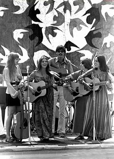 thesydbarrettexperience: Joni Mitchell, Judy Collins and Joan Baez performing in June 1968 (x)