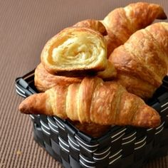 Classic Croissants by spicytreatskitchen