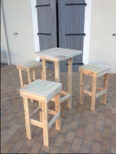 """""""Mange debout"""" et tabourets hauts en palettes #Furnitures, #Pallets, #Stool, #Table, #Terrace"""