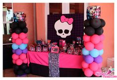 Bonitas ideas para tu próxima fiesta de Monster High. Consigue todo para tu fiesta en nuestra tienda en línea:  http://www.siemprefiesta.com/fiestas-infantiles/ninas/articulos-monster-high.html?utm_source=Pinterest&utm_medium=Pin&utm_campaign=MonsterHigh