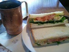 8/27 AM10:06 ホテルの横の上島珈琲で朝食。 銅製のマグに入ったアイス珈琲が冷たくて気持ち良い♪
