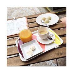 Merci @lydialilydressing pour la jolie photo et la visite !  La boutique est ouverte aujourd'hui jusqu'à 18h30. #libellule #boutique #cafeboutique #creationfrancaise #madeinfrance #alsace #selestat #monalsace #3ruedu17novembre #67 #67600 #cafe #cafeboutique #deco #faitmains #faitmain #madecoamoi #ideecadeau #terrasse #conceptstore #original #lieuunique #pause #gouter #gateau