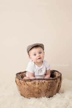 6 month baby photography, sitter session, burlap bowl, poor boy hat, bone backdrop, cream flokati, organic, natural, simple