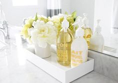 guest Bathroom Decor {…adding the accents} This is a cute idea for the upstairs bath staging.