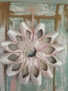 Price Reduced Pointe Shoe Wreath by KandTCrafts on Etsy Ballet Studio, Ballet Art, Dance Studio, Ballet Decor, Ballet Dancers, Dance Photos, Dance Pictures, Pointe Shoes, Ballet Shoes