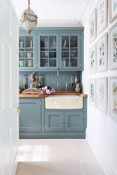 Country Manor Kitchen | #CountryManorKitchen | Painted Kitchen Units | #PaintedKitchenUnits