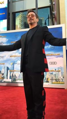 RDJ - Spiderman Homecoming Premiere 2017